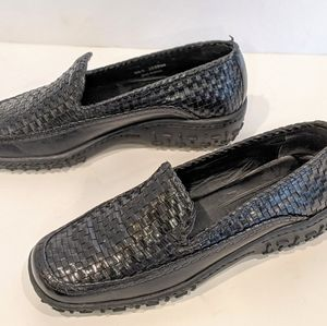 Cole Haan Country Adrien woven Black loafer  6B